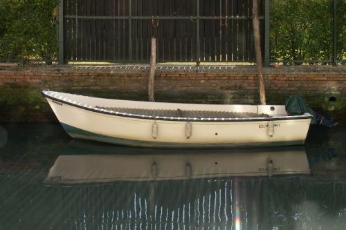 Barque à contre-jour