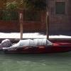 Barque rouge empaquetée