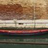 Barque bleue rouge