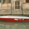 Barque rouge rouge